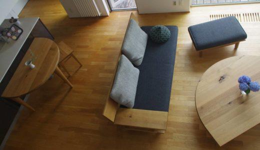 【飛騨産業の納品事例⑩】森のことばの片肘ソファと半円テーブルでナチュラル&家族団らんコーディネート